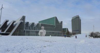 La Expo bajo la nieve