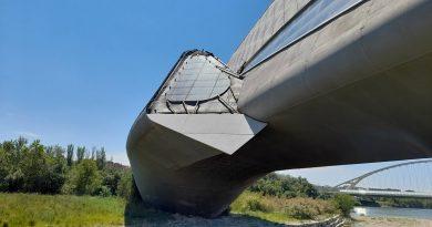 Pabellón puente cerramientos